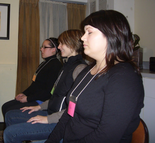 women-getting-psychic-reading